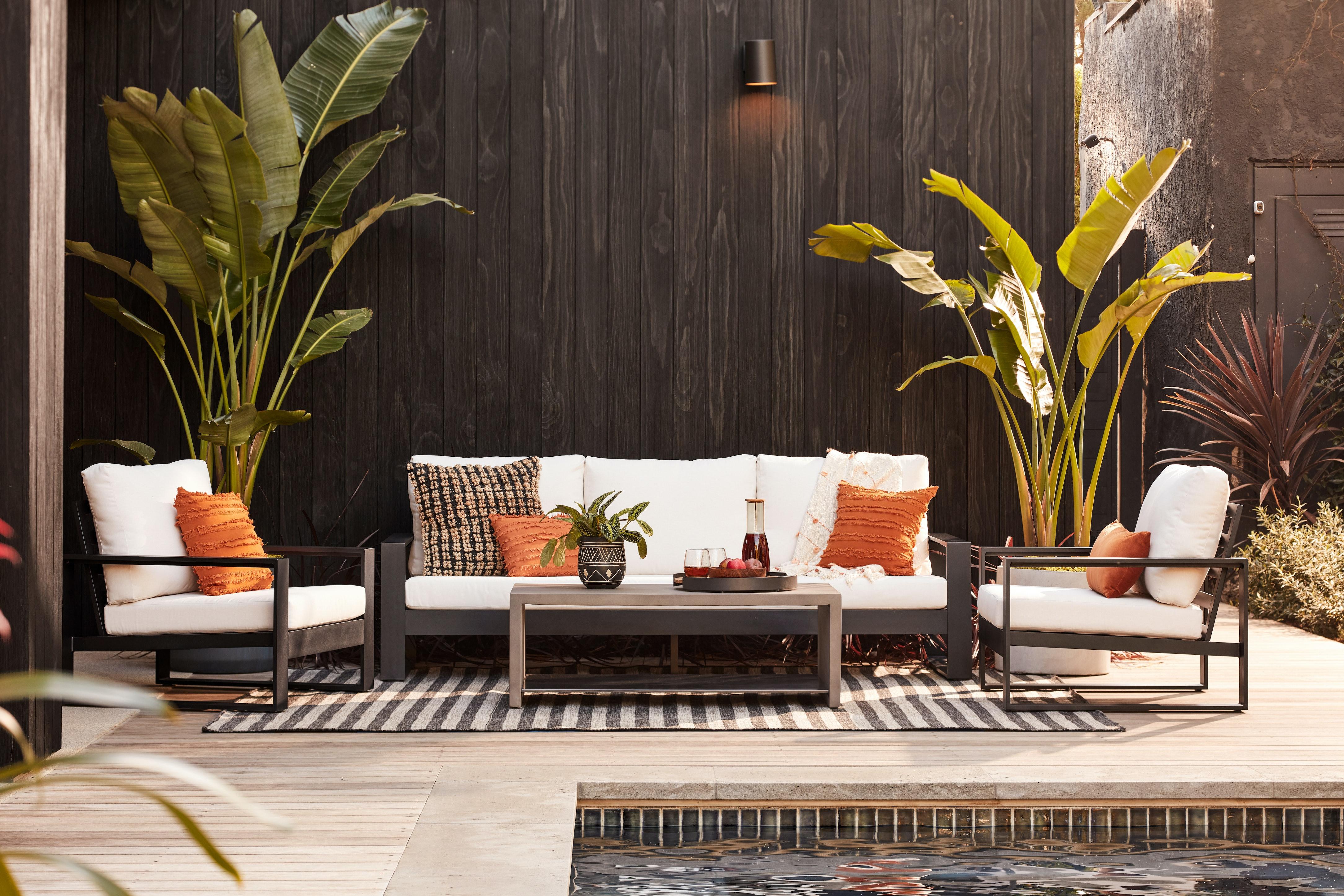 Lucia outdoor sofa